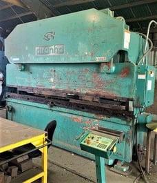 2007 Piranha 20012 CNC Hydraulic Press Brake (#3882)