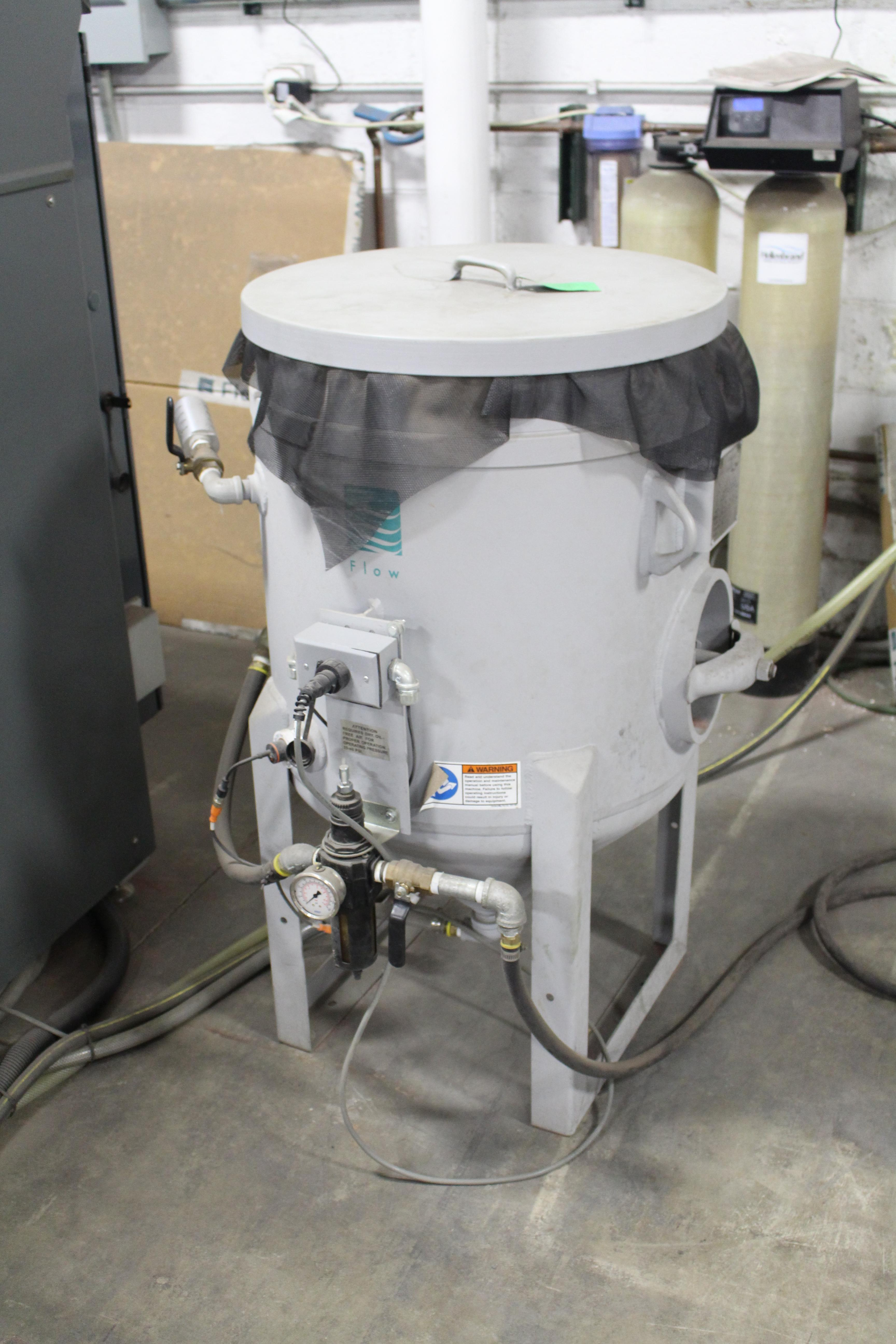 2013 Flow 3020B Mach 3 Dynamic Waterjet System (#2013)